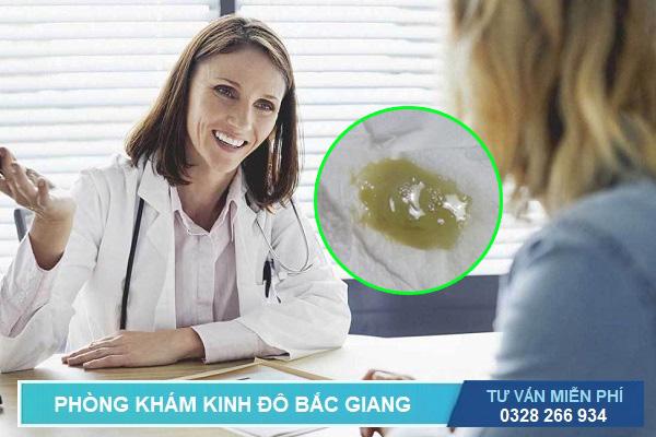 Bác sĩ tư vấn các câu hỏi về thông tin, cách chữa khí hư có màu xanh vón cục có mùi hôi tanh