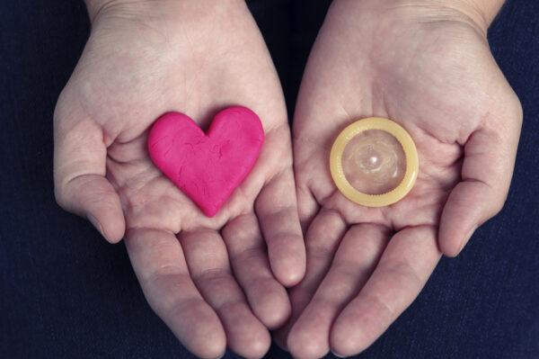 Bao cao su là biện pháp tránh thai và lây nhiễm bệnh xã hội phổ biến nhất
