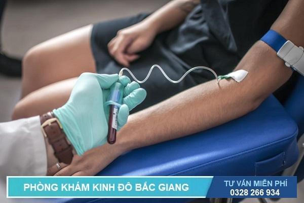 Lấy máu xét nghiệm bệnh gian mai