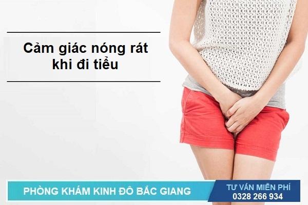 Dấu hiệu triệu chứng và biểu hiện viêm đường tiết niệu: Cảm giác nóng rát khi đi tiểu