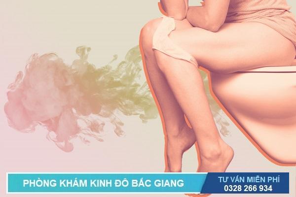 Dấu hiệu triệu chứng và biểu hiện viêm đường tiết niệu: Nước tiểu đục, có mùi hôi